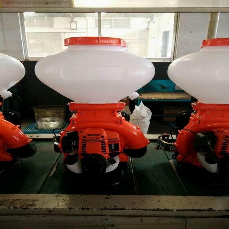 Gasoline engine sprayer-duster