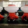 Gasoline engine sprayer-duster 3