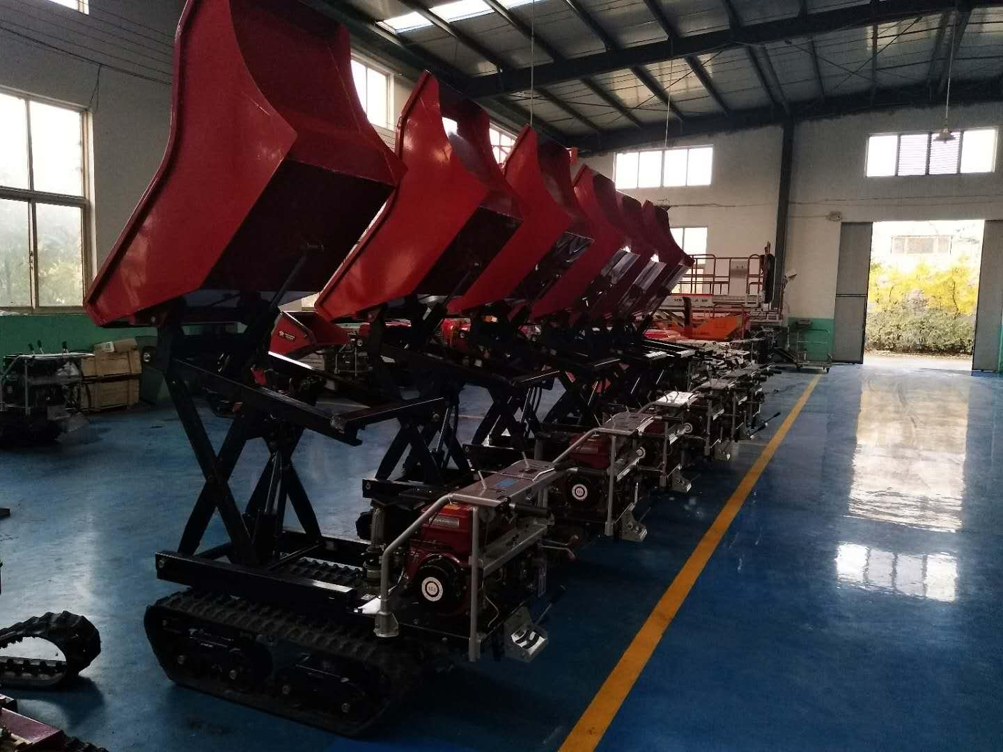 Crawler type dumper with lift container, Hydraulic Scissor lifter 6