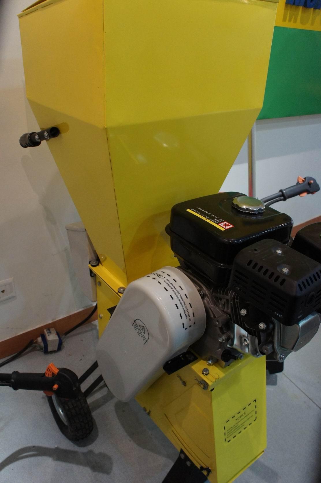 petrol shredder&branch trimmer& crusher&lbranch crusher     9