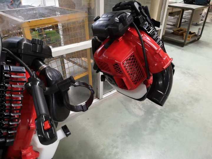 large wind Euro V 2-stroke air-cooled backpack engine blower 5