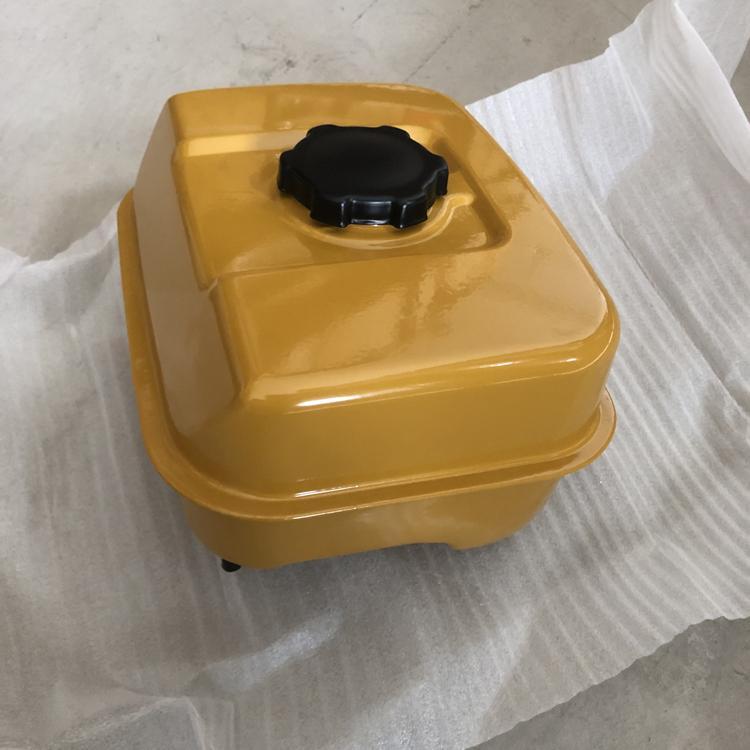 Engine EX17 Fuel tank 1