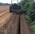 农用拖拉机带动开沟回填机 7