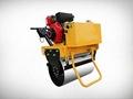 小型乘騎式座椅式壓路機 4