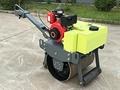 小型乘騎式座椅式壓路機 8