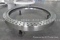 Triple row roller slewing bearing