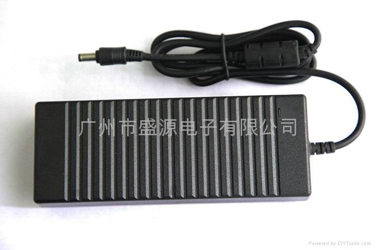 12V10A笔记本电源适配器 3