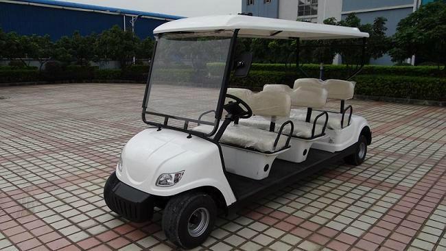 精致小巧电动高尔夫球车 1