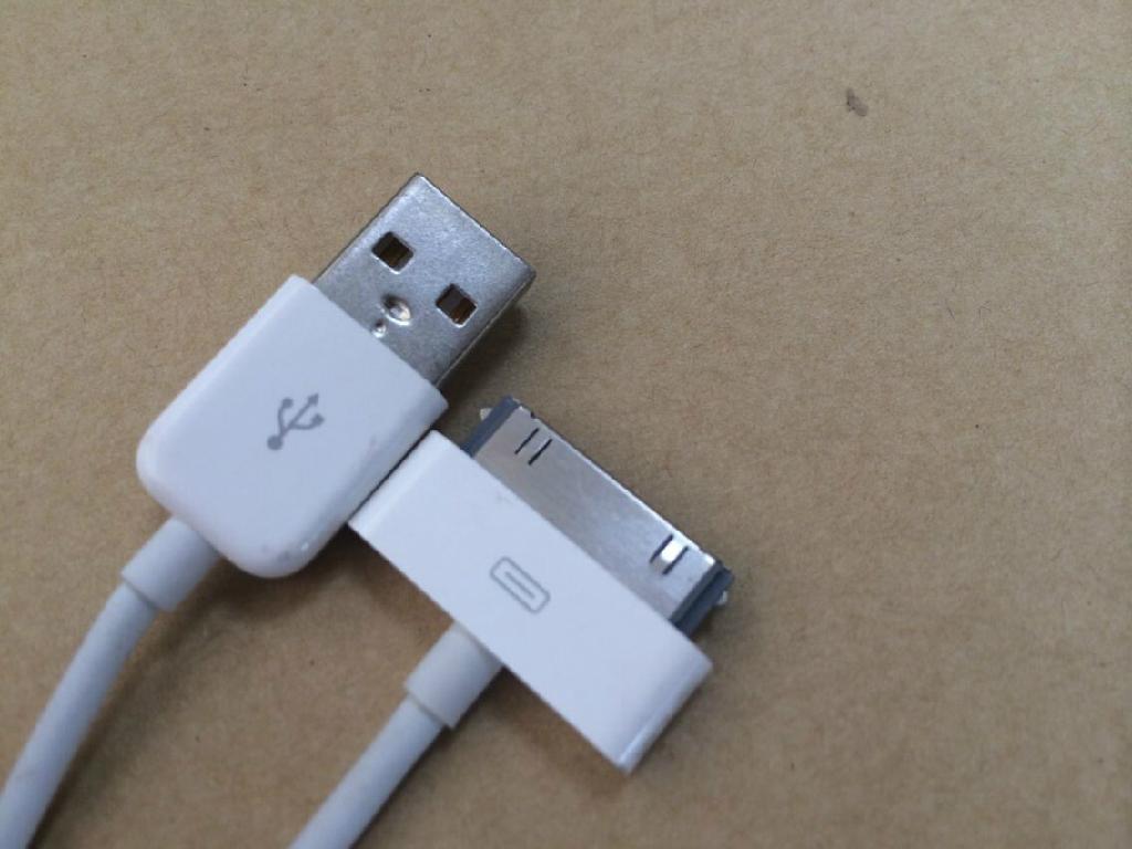 苹果4数据线 2
