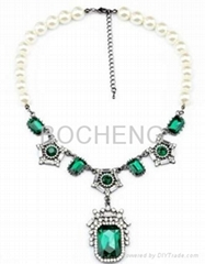 Metal alloy necklace