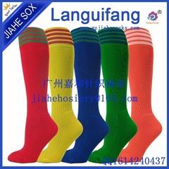 條紋提花高膝蓋的足球襪