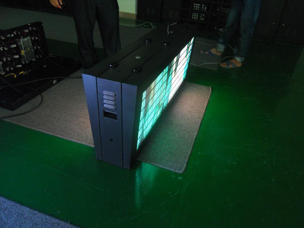 戶外表貼led顯示屏 4