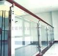 【福建玻璃厂】供应各种楼道护栏钢化玻璃