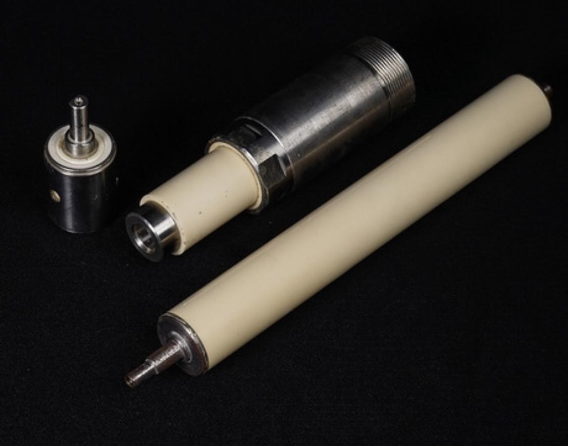 92% 99% Thin Wall Alumina Ceramic Tube/Sleeve for Wear Protection 3