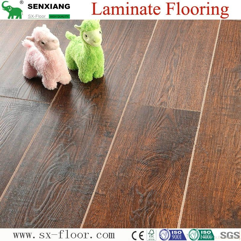 German Technology 12mm High Quality Embossed V-groove Laminate Flooring 4