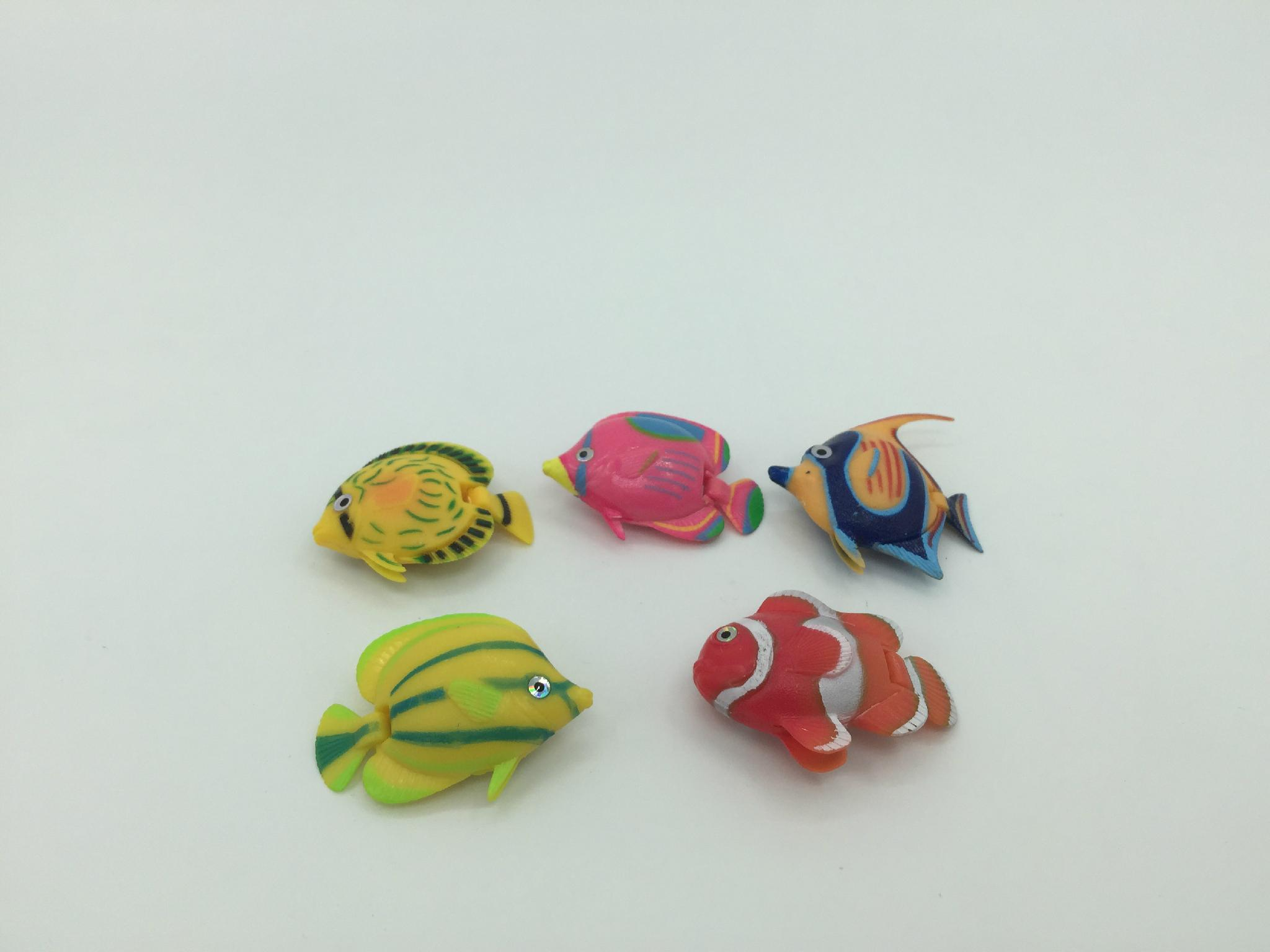 capsule toy-kinds of fishes figures 3