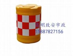 雲南昆明交通設施防撞桶