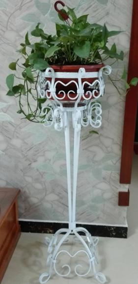 Flower pot stand 1