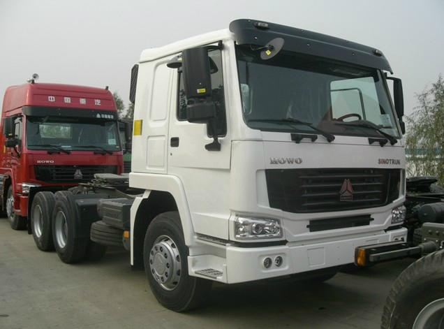SINOTRUK HOWO 6X4 Tractor Truck for sale 2