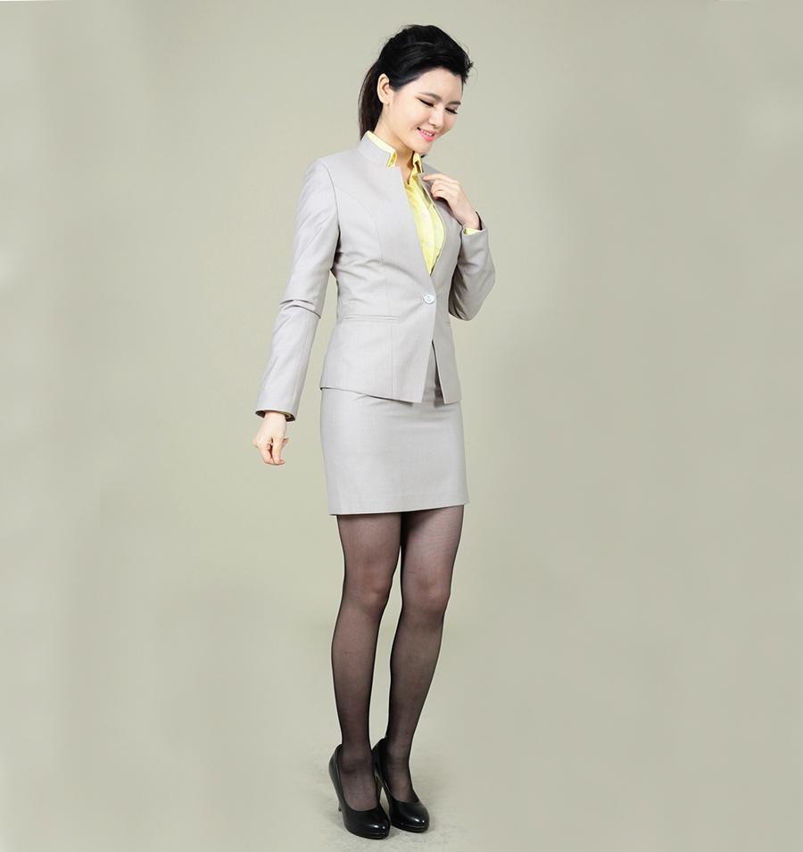 女士小立領商務套裝 2