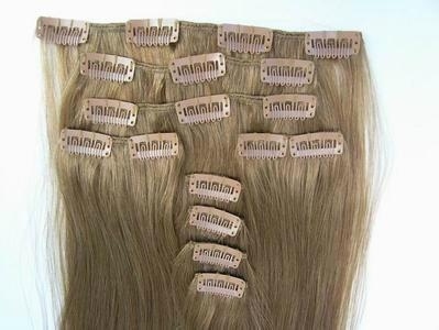 Clip-in hair extension 1