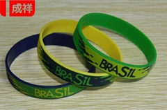 OEM Multicolor Debossed Silicone Bracelet with Special Customer's Logo