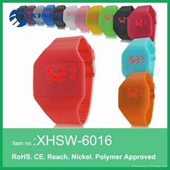 2015 New Fashion touch screen LED watch