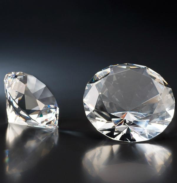 crystal diamond paperweight machine-made wedding favor 1