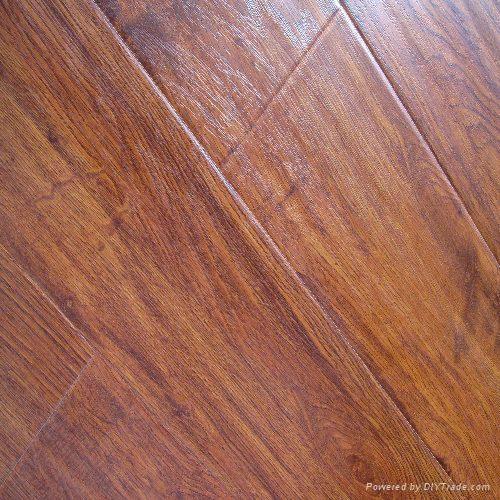 Handscraped  laminate flooring 1