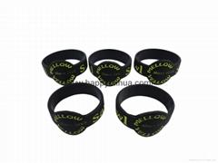 custom thumb ring silicone bracelet,wristband
