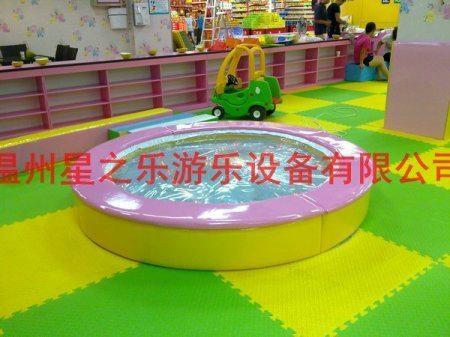 圆形水床淘气堡儿童乐园(进口塑料;CE认证) 1