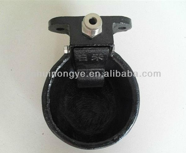 Iron drinking bowl for animals 1