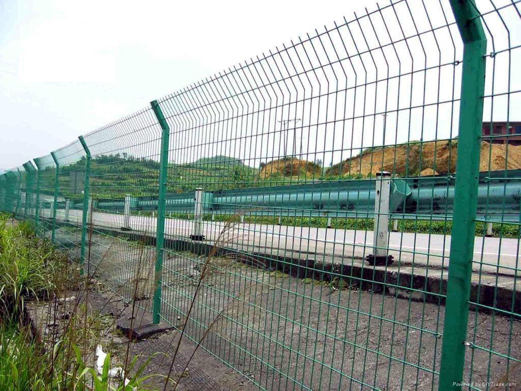 高速公路双边丝护栏网 5