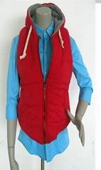 红色无袖有帽绒毛布里充棉保暖秋衣马夹