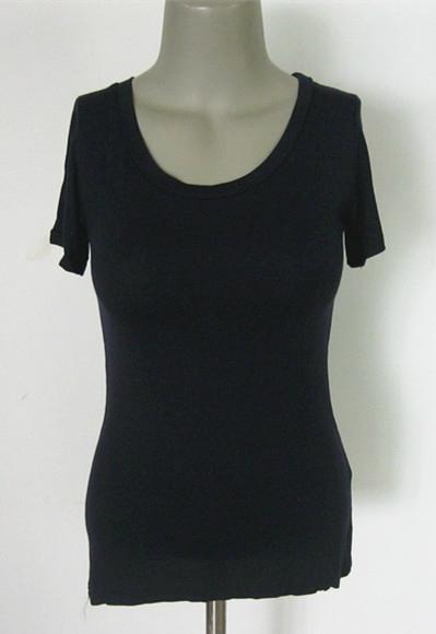 高弹牛奶丝紧身短袖U形低领女式打底衫 尽显美丽动人曲线 1