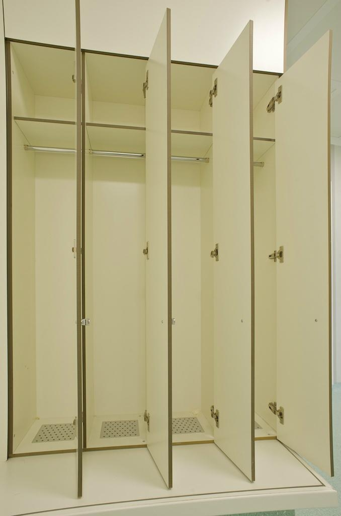 Laminate Lockers for Cleanrooms 1