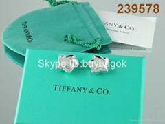 The factory wholesale best Christmas gift tiffany earrings silver production