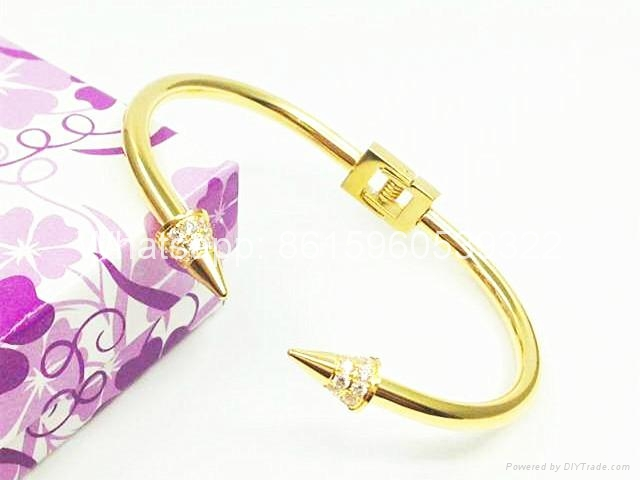 Wholesale jewelry Cartier earrings ring Cartier necklace bracelet 1:1 quality 15