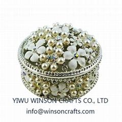 Metal trinket box pearls table decoration