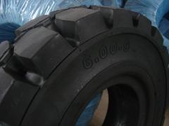 8.25-15叉车轮胎