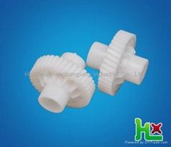 Plastic worm gear