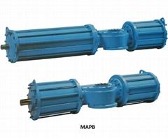 Pneumatic valve linear actuator of fork type