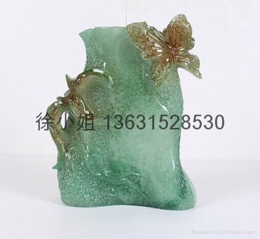 仿玉工艺品花瓶 2