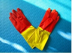 Bi-color rubber unlined or flockined household latex glove