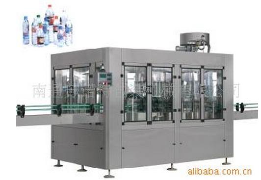 SNT全自動礦泉水三合一灌裝機 1