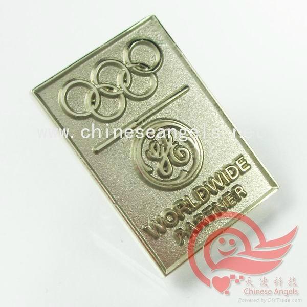 custom metal lapel pin badge 1