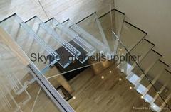 夾膠樓梯玻璃