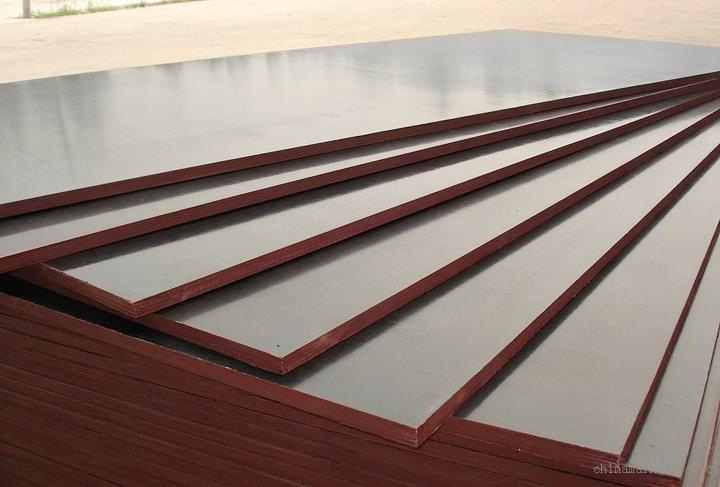 Black/brown film construction plywood 2