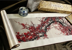 《紅梅報春圖》真絲織錦畫