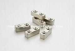Door magnets and block magnets